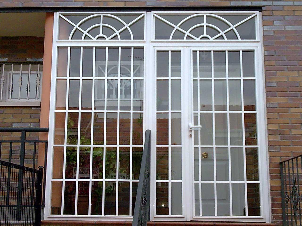 Rejas tipo ingl s para puertas y ventanas cerrajer a keymar for Puertas para patios modelos