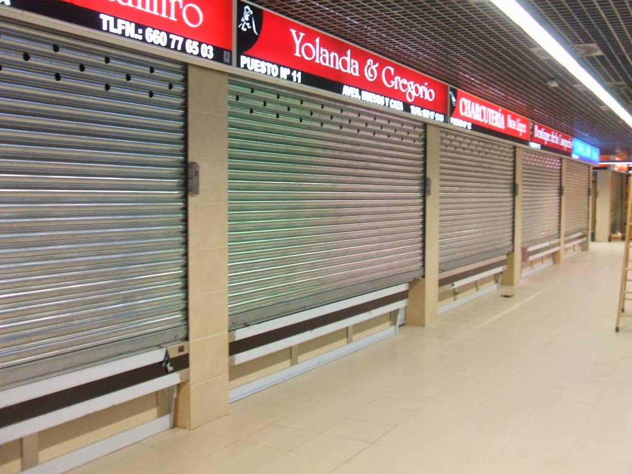 Cierre de Lama con ventilación para mercado por Cerrajería Keymar