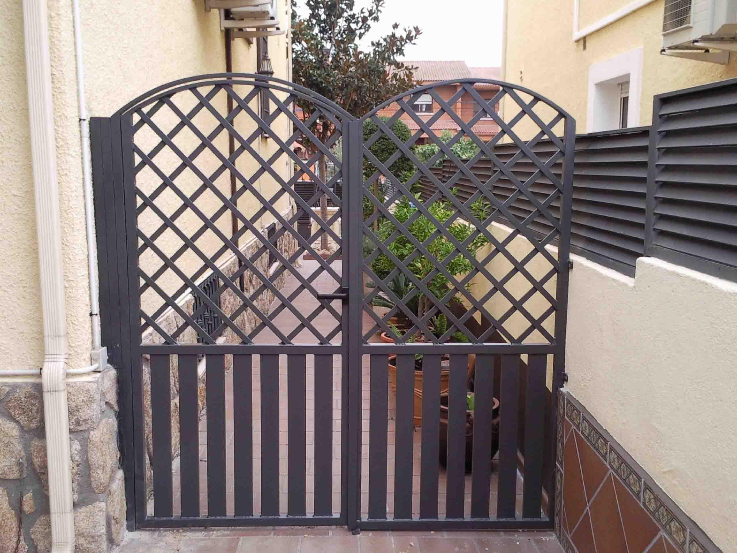 Puerta de paso de dos hojas por Cerrajería Keymar