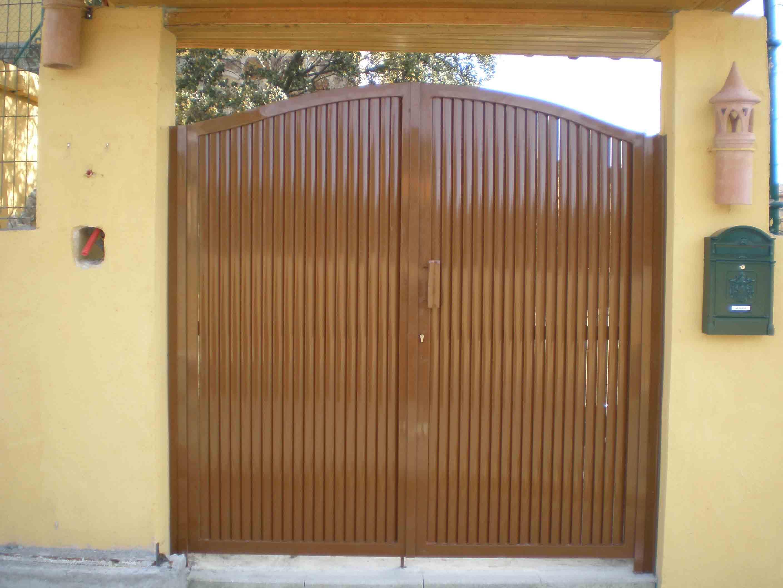 Puerta de dos hojas por Cerrajería Keymar